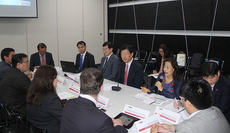 Perú y Corea promoverán comercio electrónico