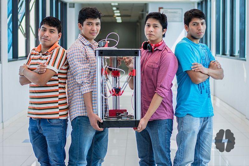 Ex alumnos de Idat desarrollan impresora 3D de bajo costo