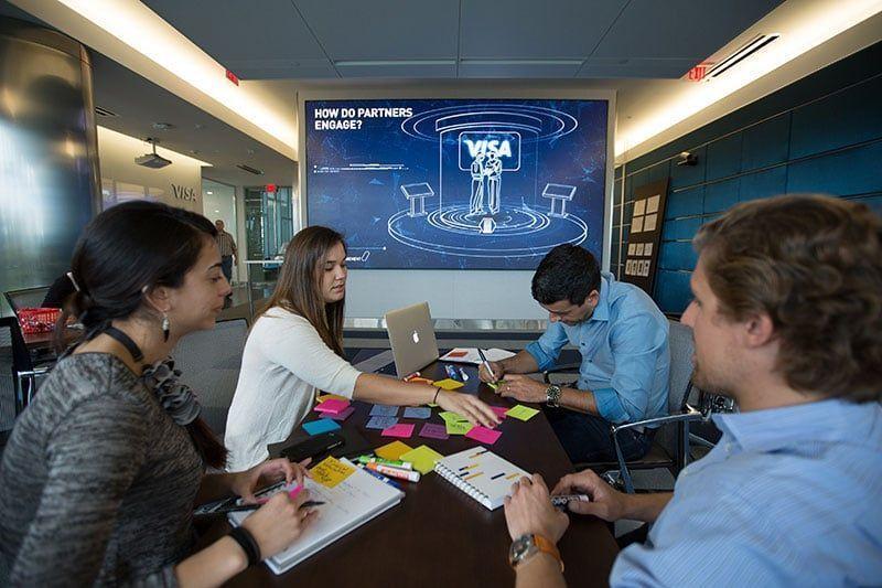 Visa inaugura centro de innovación en Miami
