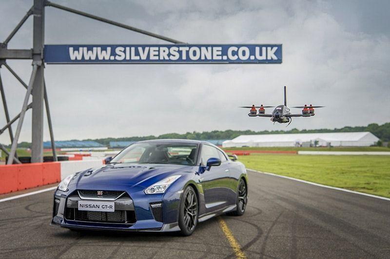 Nissan crea el GT-R Drone: de 0 a 100 km/h en solo 1.3 segundos