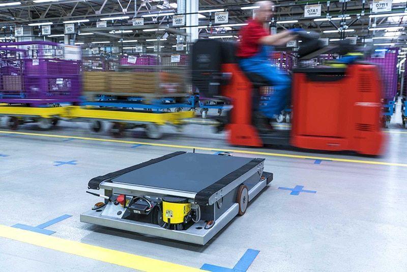 BMW Group introduce los robots autónomos en su logística