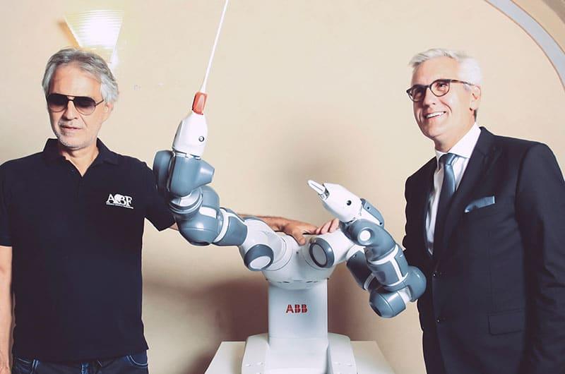 El robot YuMi de ABB es el centro de atención en Pisa