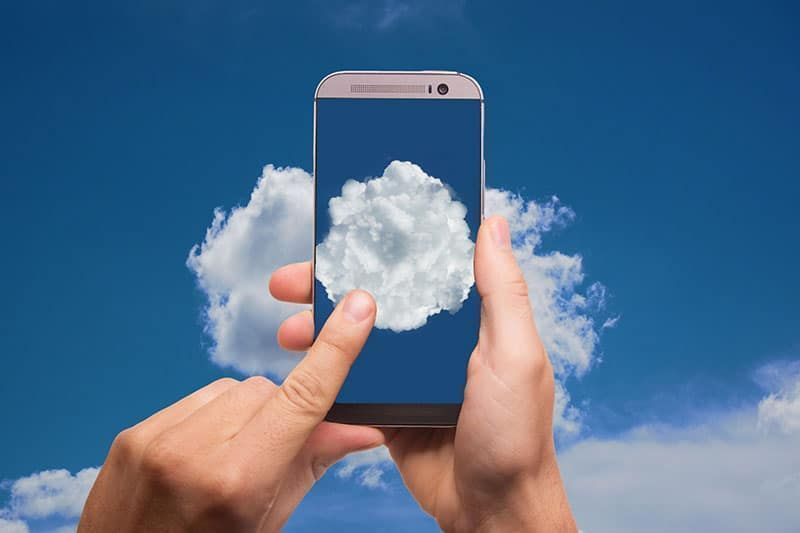 Gestión eficiente y valor de negocio en entornos de nube híbrida