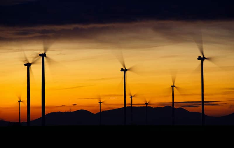 Schneider Electric se compromete sólo a consumir energía eléctrica renovable en 2030