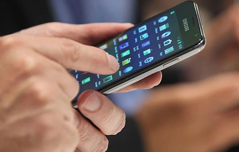 Usuarios almacenan datos personales en sus smartphones