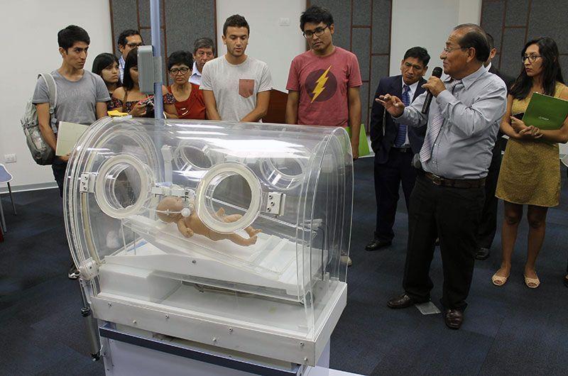 Científicos peruanos crean incubadora portátil con respirador artificial