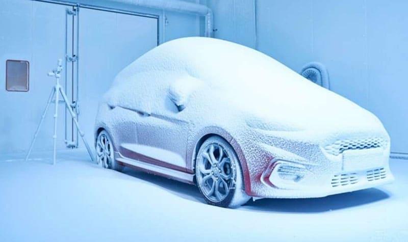Ford simula cualquier condición climática con su «Wheather Factory»