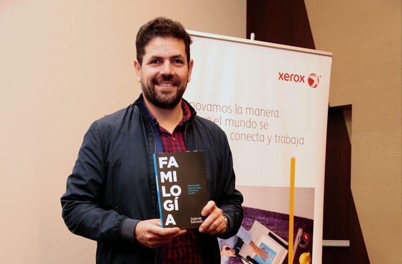 Presentan Libro Familogía del escritor Gabriel Salcedo