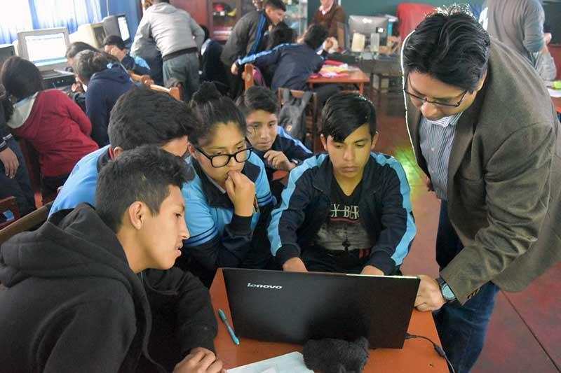 SAP lleva innovación a estudiantes de escuelas públicas del Perú