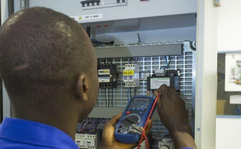 Schneider Electric y los Jesuitas ayudan a jóvenes estudiantes del Congo