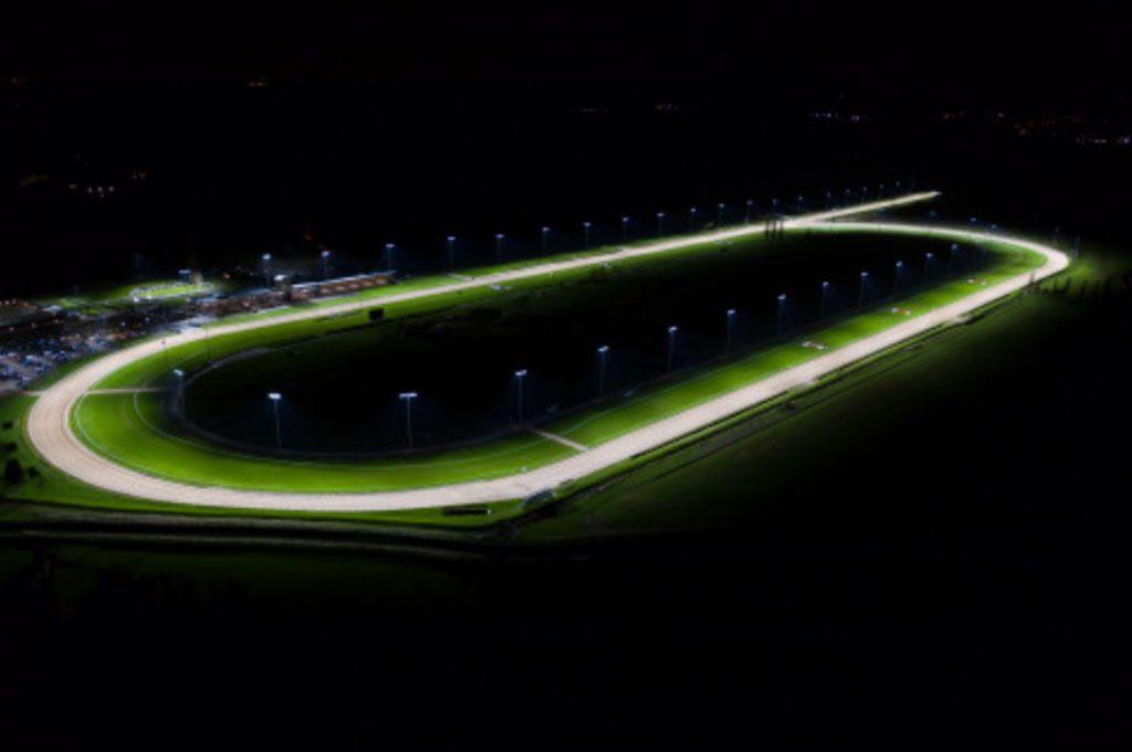 Hipódromo de Southwell inauguró nuevo sistema de Iluminación LED