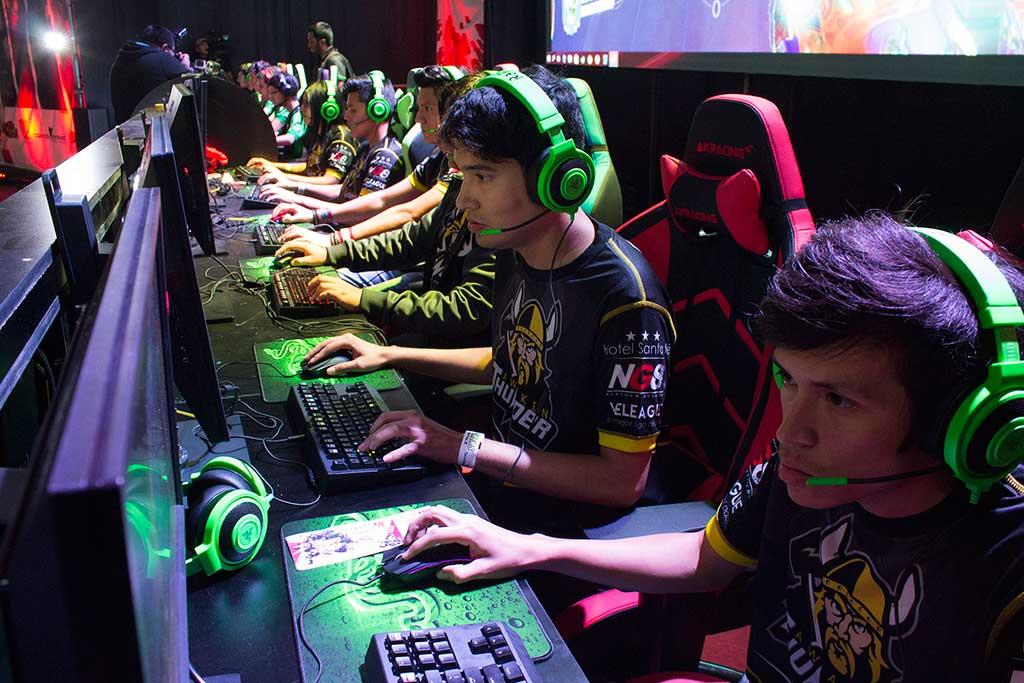 En el Claro MasGamers Festival 2019 AMD y ASUS Republic Of Gamers auspicia torneo Dota2
