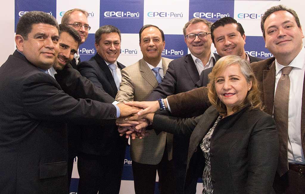 Schneider Electric y empresas del sector eléctrico firman acuerdo