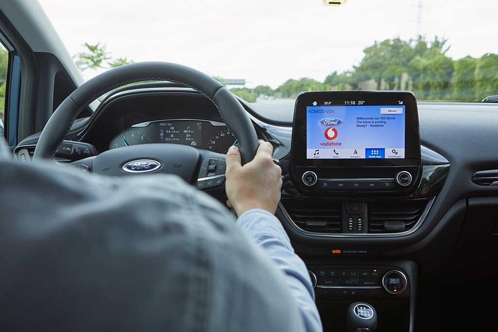 Ford desarrolla solución para encontrar estacionamientos