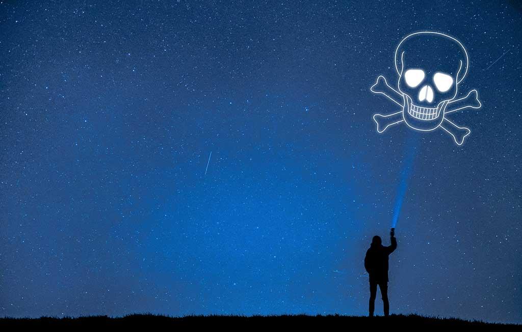 Avast descubre apps de linterna en Google Play que solicitan hasta 77 permisos
