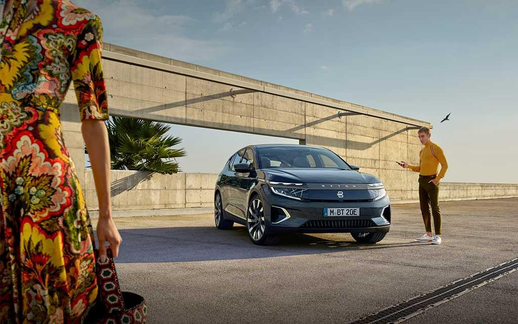 BYTON exhibe primer SUV eléctrico inteligente superior M-Byte
