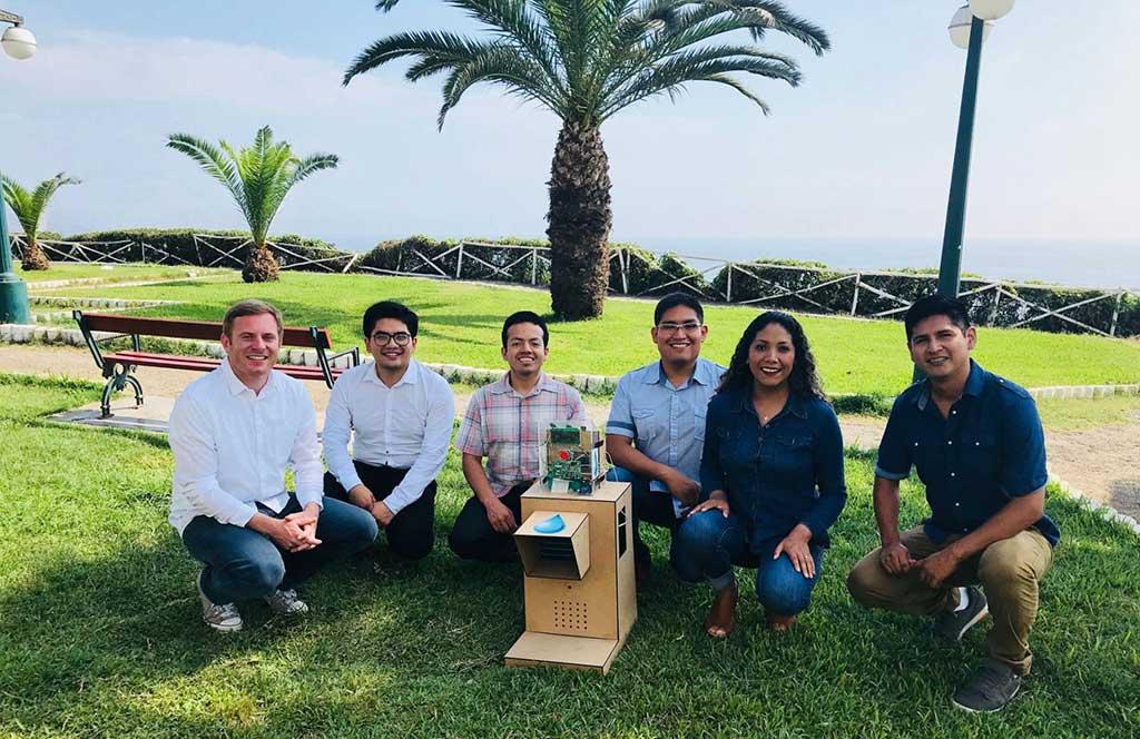 Emprendedores peruanos crean Pukio una máquina para generar agua potable