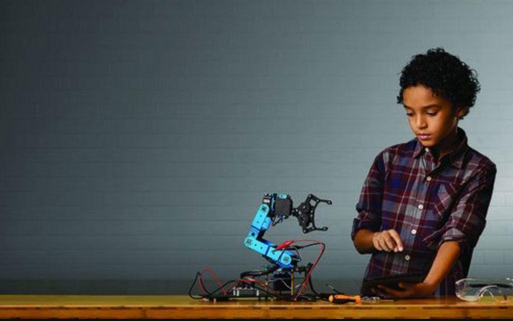 Nace un proyecto de robótica inclusiva para niños y niñas en riesgo