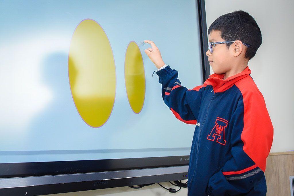 ViewSonic brinda experiencia inmersiva en Colegio San Agustín de Chiclayo