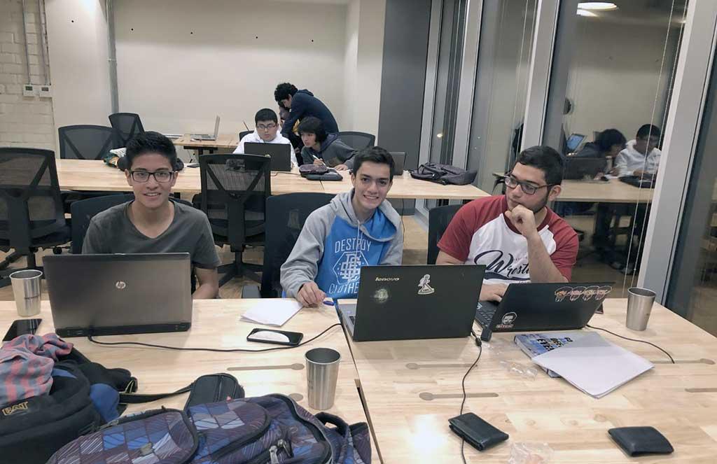 Estudiantes peruanos destacaron en el IEEEXtreme