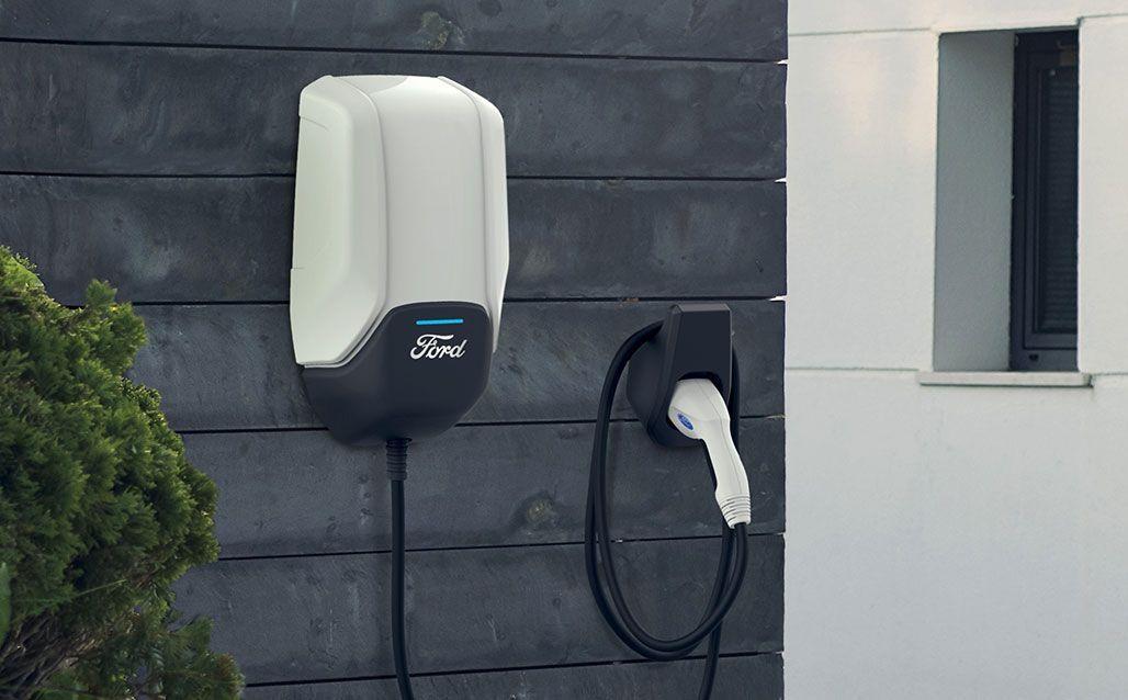 Ford presenta red de carga de vehículos eléctricos