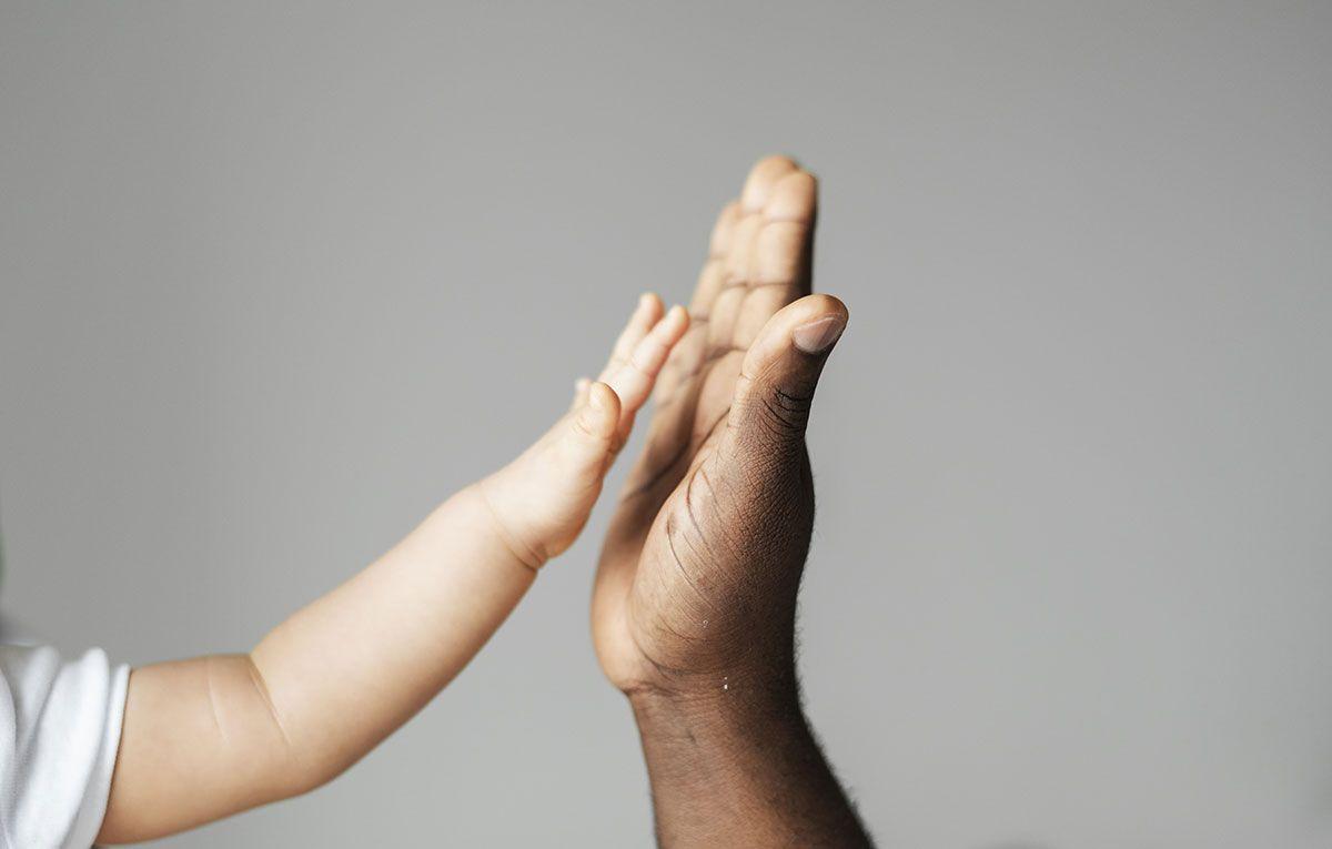 Ford ayuda a padres primerizos a combatir la depresión postparto