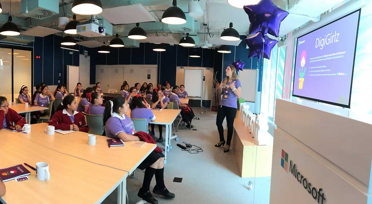 Microsoft y su iniciativa DigiGirlz promueven las carreras STEM