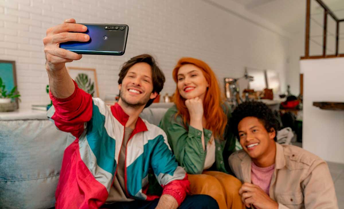Motorola anuncia la marca de 100 millones de unidades de moto g