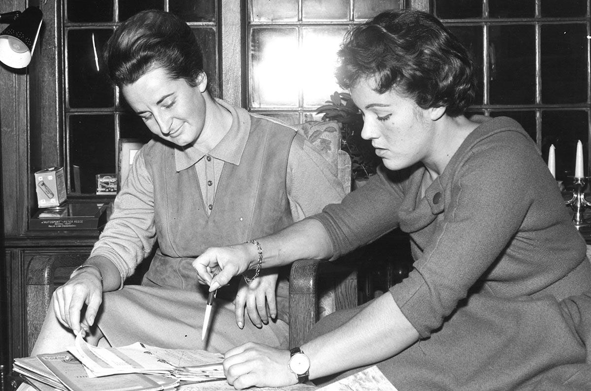 Mujeres que hicieron historia junto a Morris Garages