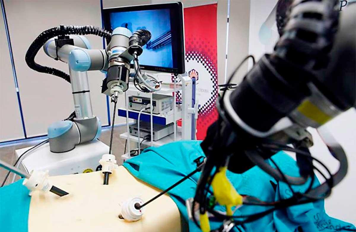 Presentan sistema robótico peruano para brindar apoyo en operaciones quirúrgicas