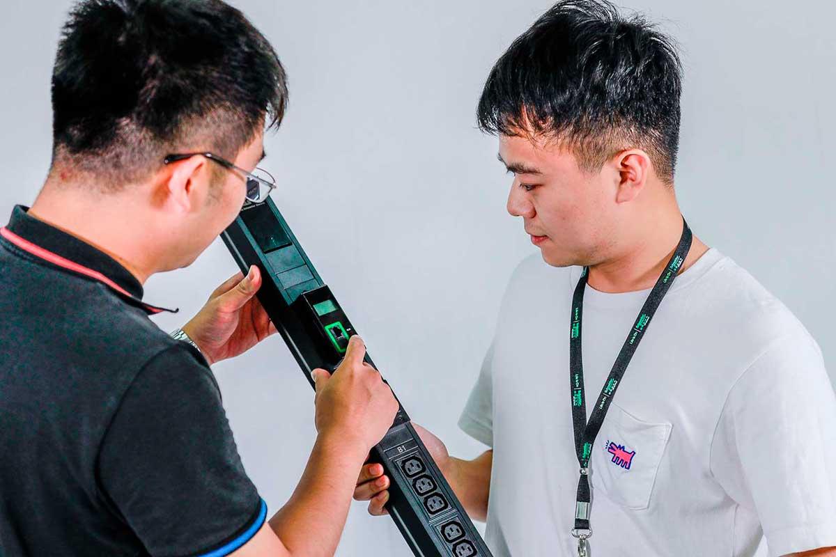 Schneider Electric presentó Easy Rack PDU