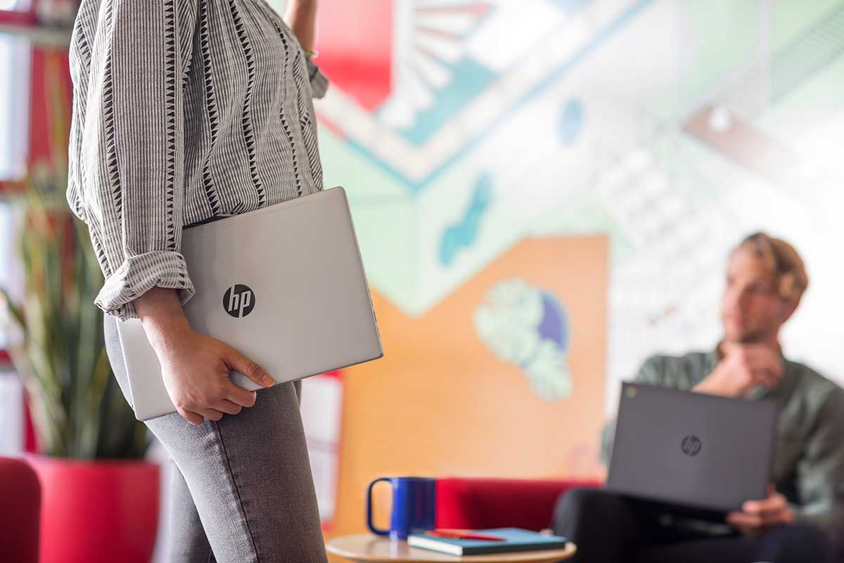 Cerrando la Brecha Tecnológica para Trabajar desde Casa
