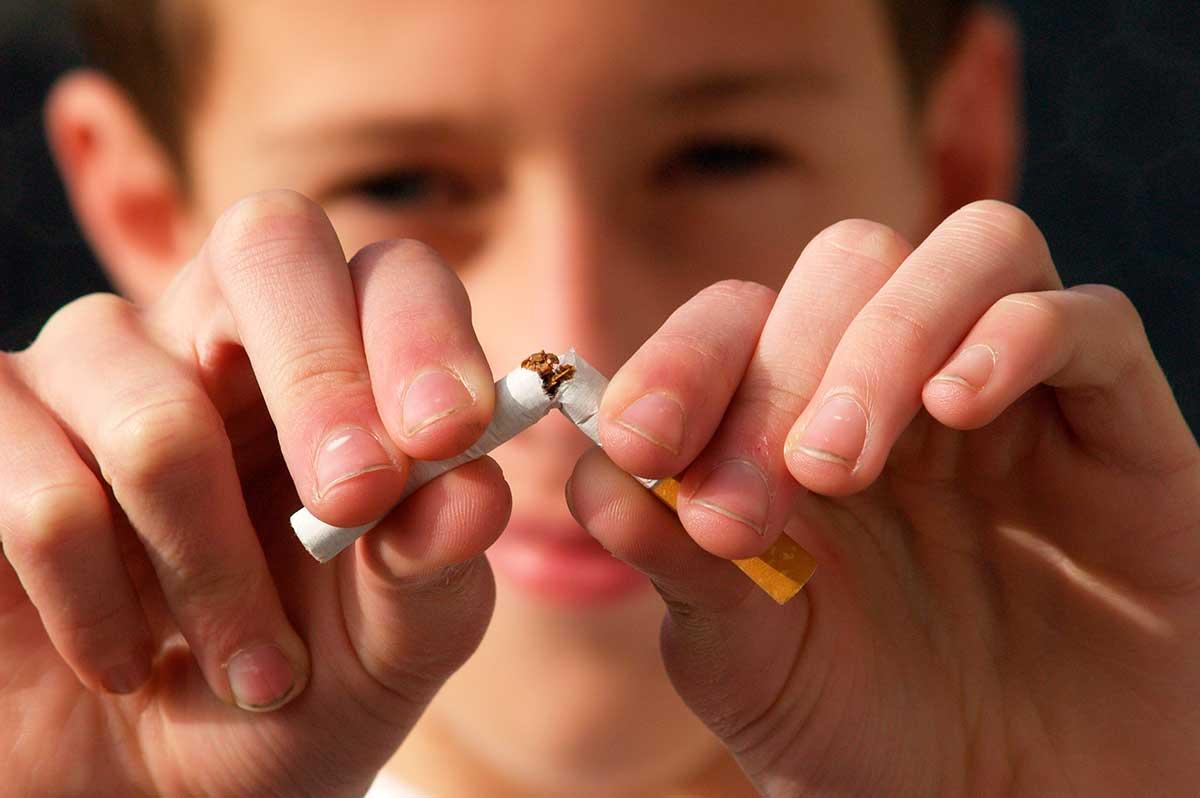 En USA piden prohibir aplicaciones que fomentan el tabaquismo y el vapeo